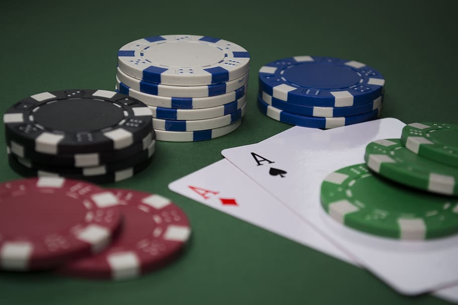What Everyone Should Find out about Online Gambling